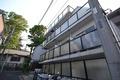 東京都世田谷区、豪徳寺駅徒歩6分の築26年 4階建の賃貸マンション