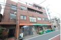 東京都中野区、新井薬師前駅徒歩17分の築33年 4階建の賃貸マンション
