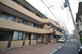 東京都新宿区、四谷三丁目駅徒歩11分の築32年 3階建の賃貸マンション