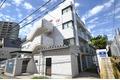 東京都港区、目黒駅徒歩9分の築30年 4階建の賃貸マンション