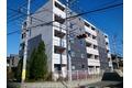神奈川県平塚市、平塚駅バス15分市場前下車後徒歩5分の築3年 5階建の賃貸マンション