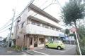 東京都狛江市、喜多見駅徒歩18分の築28年 3階建の賃貸マンション