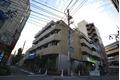 東京都目黒区、神泉駅徒歩18分の築35年 5階建の賃貸マンション