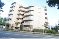 東京都狛江市、喜多見駅徒歩13分の築20年 6階建の賃貸マンション