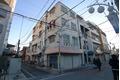 東京都目黒区、学芸大学駅徒歩19分の築33年 4階建の賃貸マンション