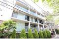東京都目黒区、都立大学駅徒歩9分の築9年 5階建の賃貸マンション