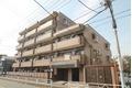 東京都立川市、立川駅徒歩22分の築18年 5階建の賃貸マンション