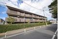 東京都世田谷区、成城学園前駅徒歩21分の築20年 3階建の賃貸マンション