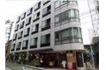 東京都港区、六本木駅徒歩6分の築33年 5階建の賃貸マンション